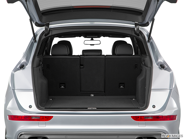 2017 Audi SQ5 Trunk open
