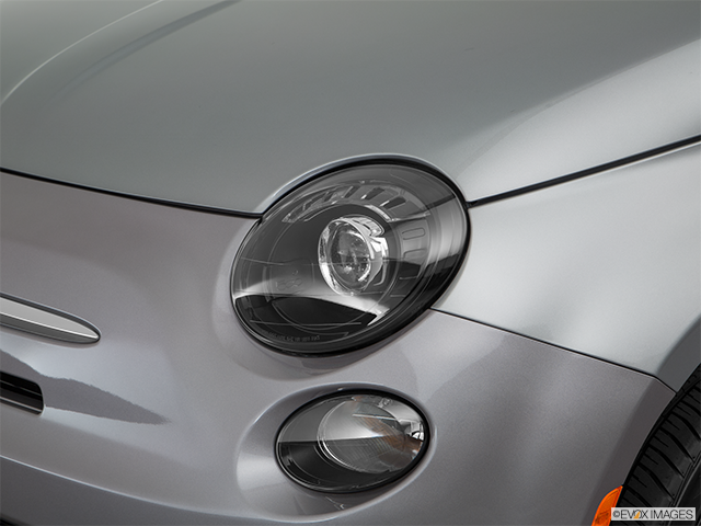 2017 FIAT 500e Drivers Side Headlight