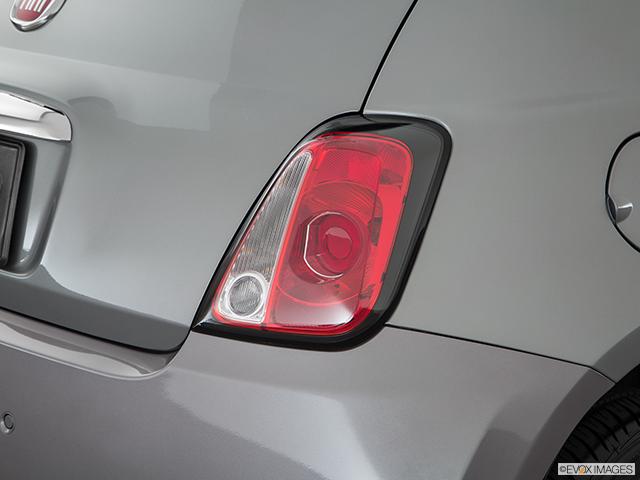 2017 FIAT 500e Passenger Side Taillight