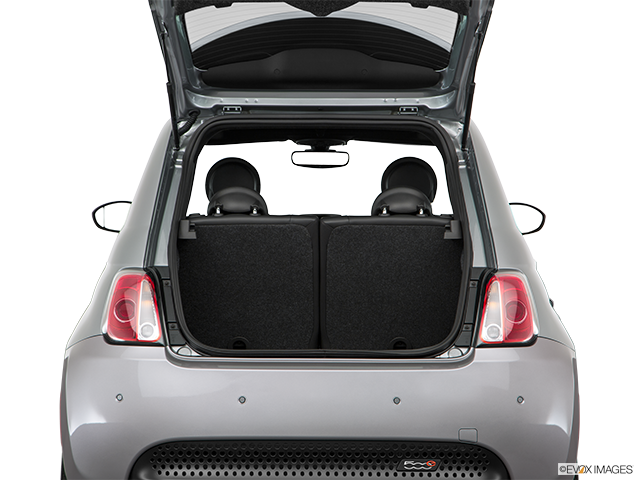 2017 FIAT 500e Trunk open