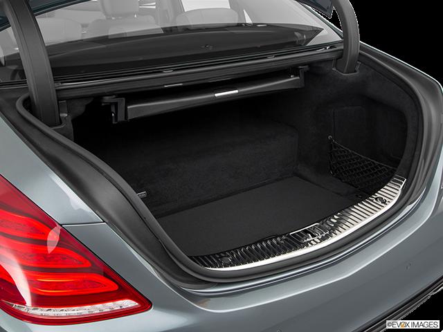 2017 Mercedes-Benz S-Class Trunk open