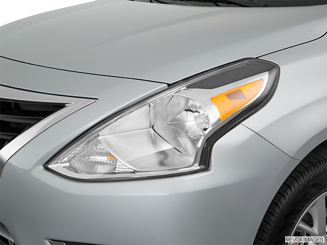 2017 Nissan Versa Drivers Side Headlight