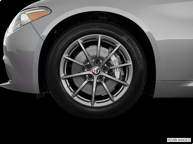 2018 Alfa Romeo Giulia Front Drivers side wheel at profile