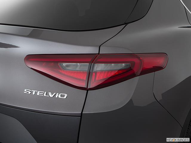 2018 Alfa Romeo Stelvio Passenger Side Taillight