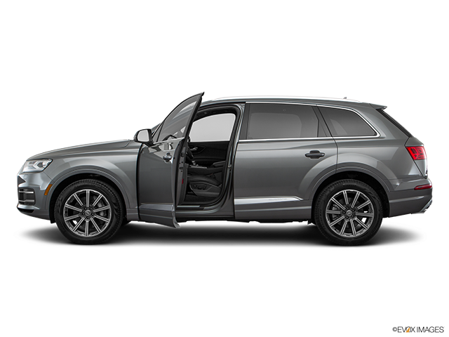 2018 Audi Q7 Driver's side profile with drivers side door open