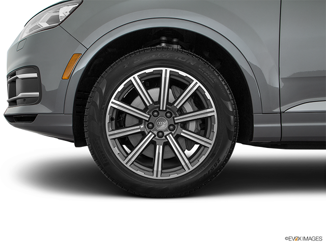 2018 Audi Q7 Front Drivers side wheel at profile