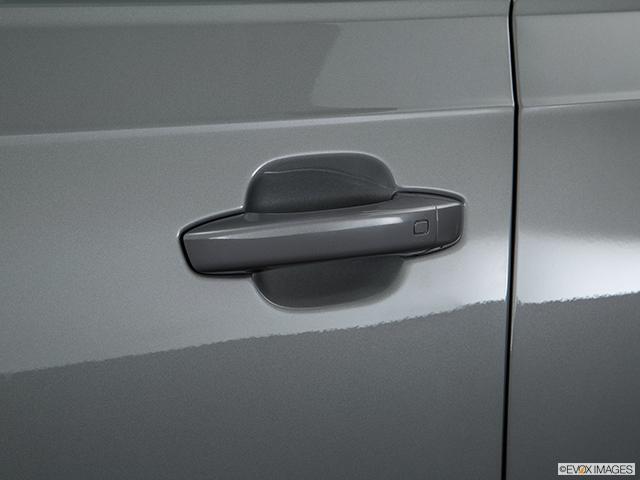 2018 Audi Q7 Drivers Side Door handle