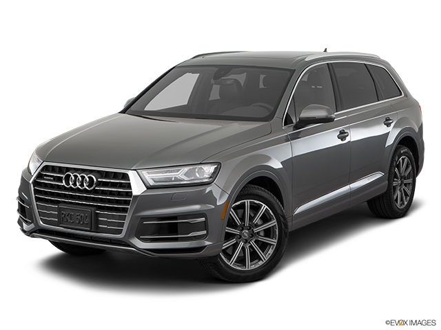 2018 Audi Q7 Front angle view