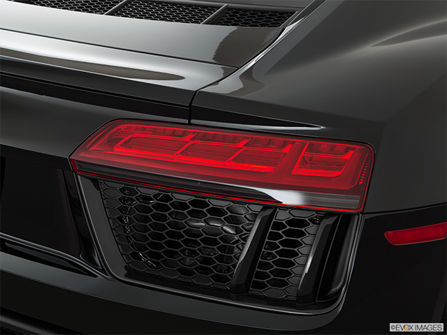 2018 Audi R8 Passenger Side Taillight