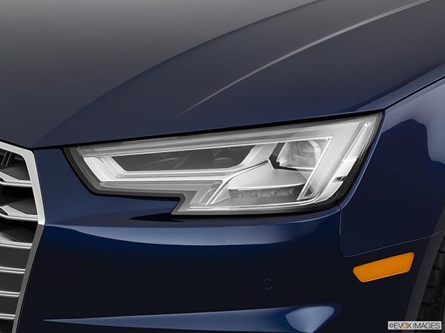 2018 Audi S4 Drivers Side Headlight