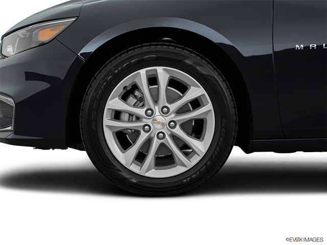 2018 Chevrolet Malibu Front Drivers side wheel at profile