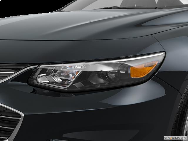 2018 Chevrolet Malibu Drivers Side Headlight