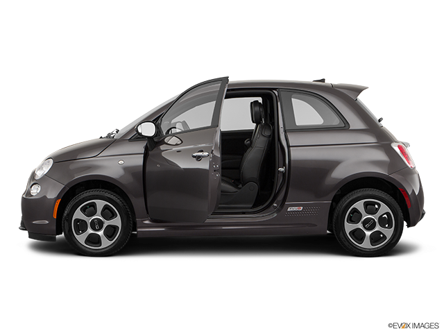 2018 FIAT 500e Driver's side profile with drivers side door open
