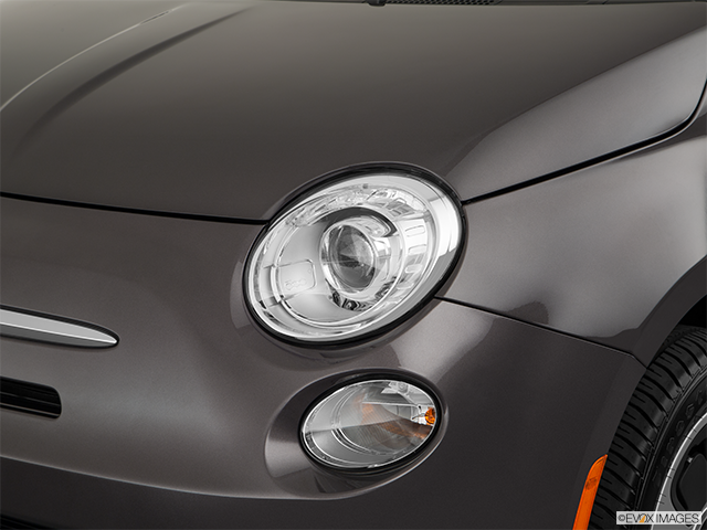 2018 FIAT 500e Drivers Side Headlight