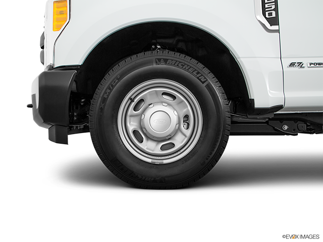 2018 Ford F-250 Super Duty Front Drivers side wheel at profile