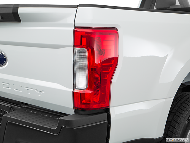 2018 Ford F-250 Super Duty Passenger Side Taillight