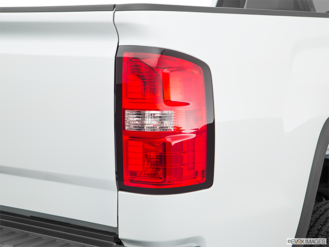2018 GMC Sierra 2500HD Passenger Side Taillight