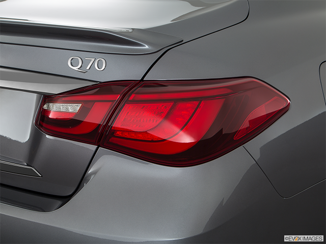 2018 INFINITI Q70 Passenger Side Taillight