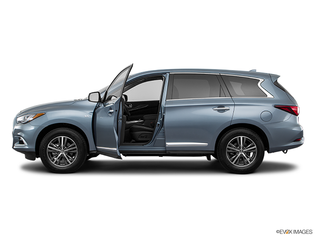 2018 INFINITI QX60 Driver's side profile with drivers side door open