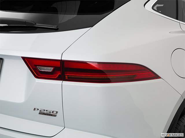 2018 Jaguar E-PACE Passenger Side Taillight