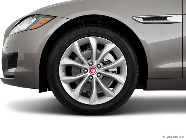 2018 Jaguar XF Front Drivers side wheel at profile