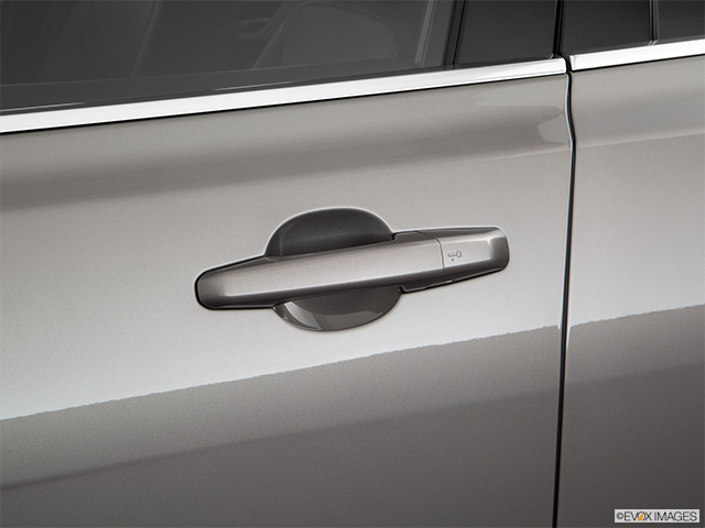 2018 Jaguar XF Drivers Side Door handle