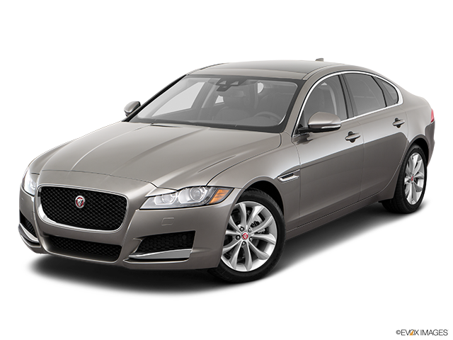 2018 Jaguar XF Front angle view