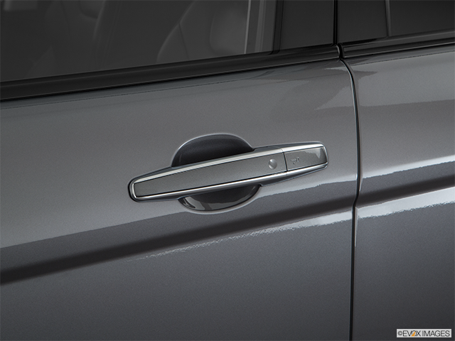 2018 Land Rover Range Rover Evoque Drivers Side Door handle