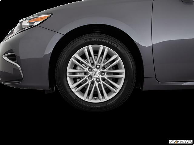 2018 Lexus ES 350 Front Drivers side wheel at profile