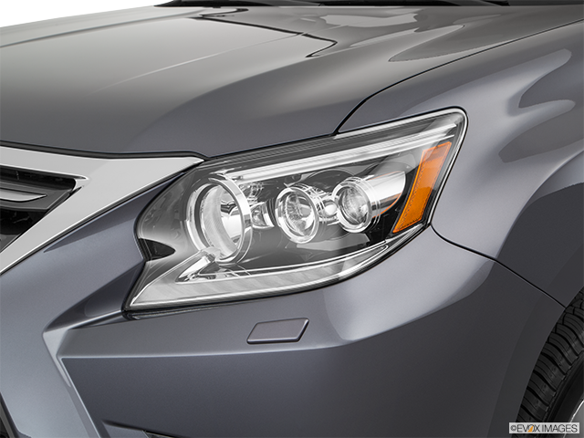 2018 Lexus GX 460 Drivers Side Headlight