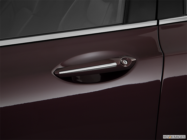 2018 Lincoln MKZ Drivers Side Door handle