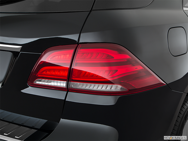 2018 Mercedes-Benz GLE Passenger Side Taillight