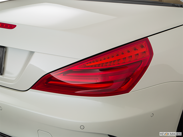 2018 Mercedes-Benz SL-Class Passenger Side Taillight