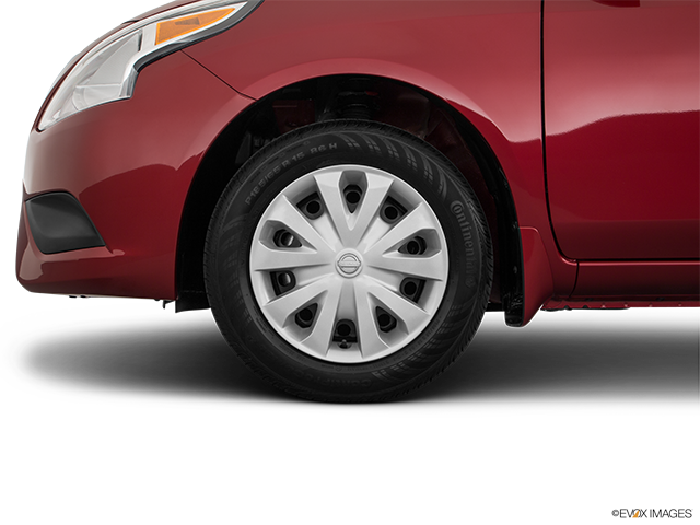 2018 Nissan Versa Front Drivers side wheel at profile