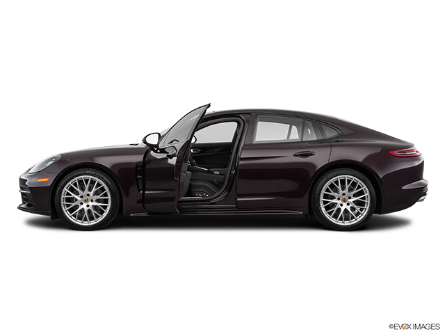 2018 Porsche Panamera Driver's side profile with drivers side door open