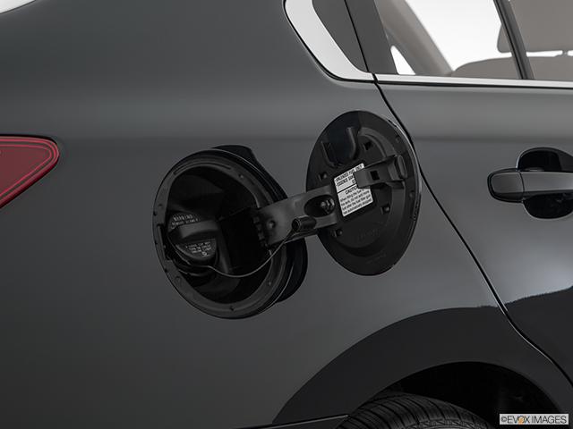 2018 Subaru Legacy Gas cap open