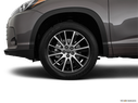 2018 Toyota Highlander Front Drivers side wheel at profile