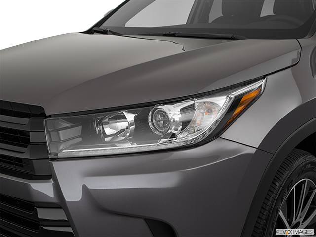 2018 Toyota Highlander Drivers Side Headlight