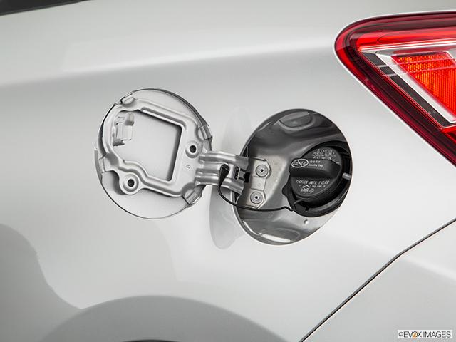 2018 Toyota Yaris Gas cap open