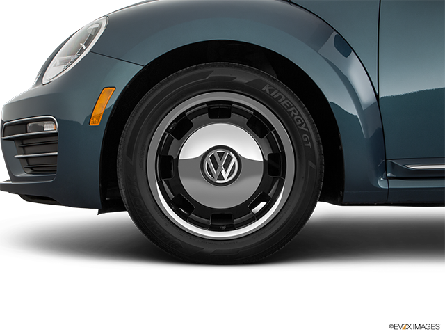 2018 Volkswagen Beetle Front Drivers side wheel at profile