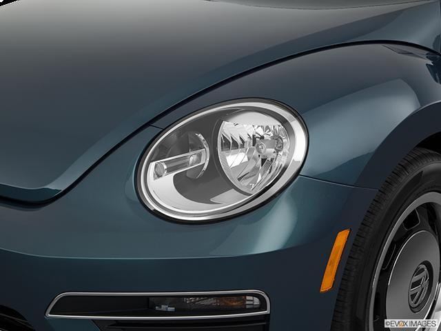 2018 Volkswagen Beetle Drivers Side Headlight