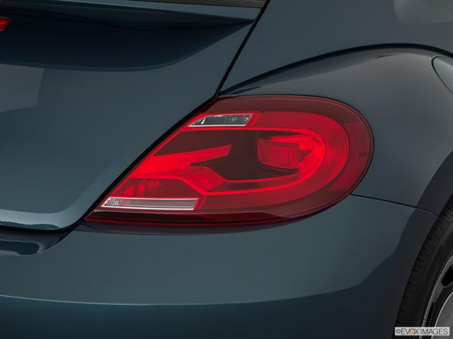 2018 Volkswagen Beetle Passenger Side Taillight