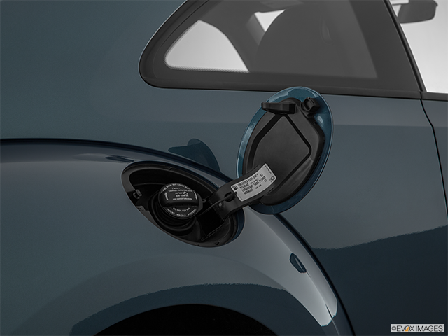 2018 Volkswagen Beetle Gas cap open