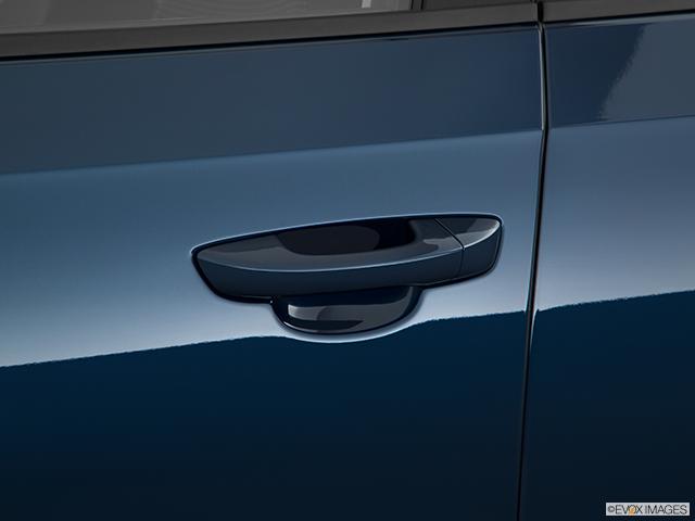 2018 Volkswagen Passat Drivers Side Door handle