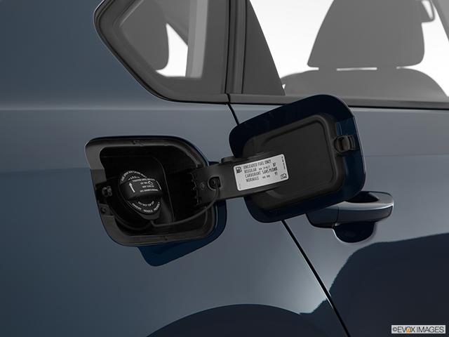 2018 Volkswagen Passat Gas cap open