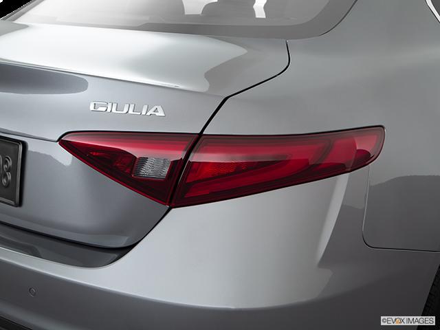 2019 Alfa Romeo Giulia Passenger Side Taillight