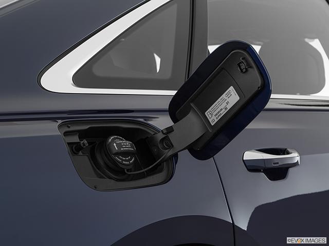 2019 Audi A8 L Gas cap open
