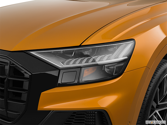 2019 Audi Q8 Drivers Side Headlight