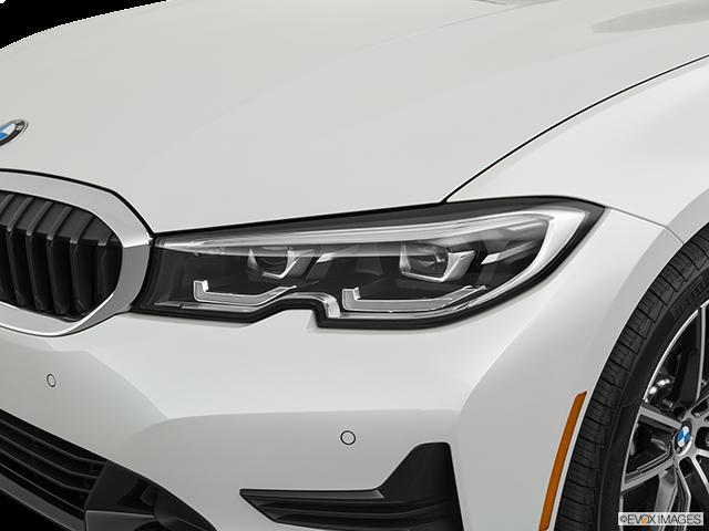 2019 BMW 3 Series Drivers Side Headlight