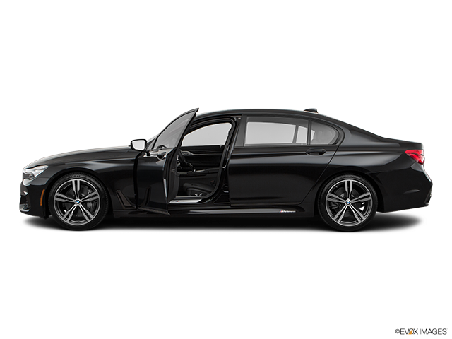 2019 BMW 7 Series Driver's side profile with drivers side door open